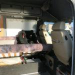 Befestigung mit Isofix-Kindersitz. Der Stauraum unter der Bank lässt sich auch dann erreichen, wenn der Kindersitz montiert ist.
